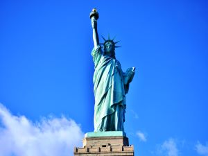 ニューヨーク1日市内観光 ~自由の女神クルーズ付き(日本語ガイド)~