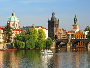 ハンガリー スロバキア チェコ オーストリア